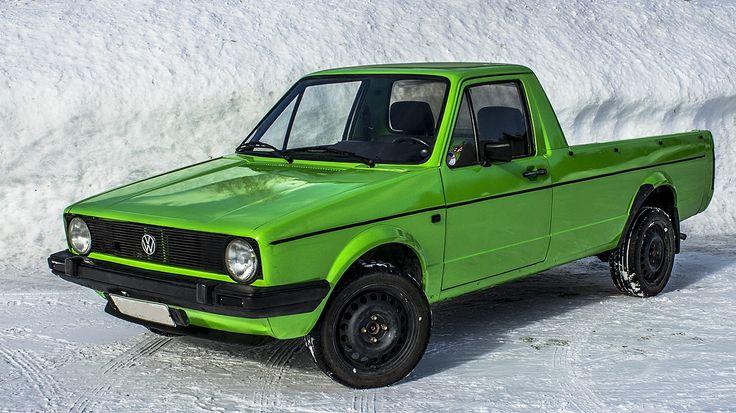 Kuva on talvella otettu, mutta sehän ei haittaa mitään. Tässäpä Petri Piipon upea caddy. Värinä toimii kovassa suosiossa oleva Kawasakin Lime Green. Kyljen viiva on teipistä ja mustat osat ovat vielä volkswagenin alkuperäistä väriä. Kuvasta hieman muunneltu kontrasteja.