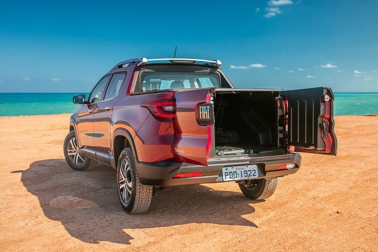 Picape compartilha plataforma com o Jeep Renegade e vem equipada com motores 1.8 flex de 139 cv e 19,3 kgfm ou um 2.0 turbodiesel de 170 cv e 35,7 kgfm que vão acoplados a câmbios manuais de seis marchas ou automáticos de seis ou nove marchas