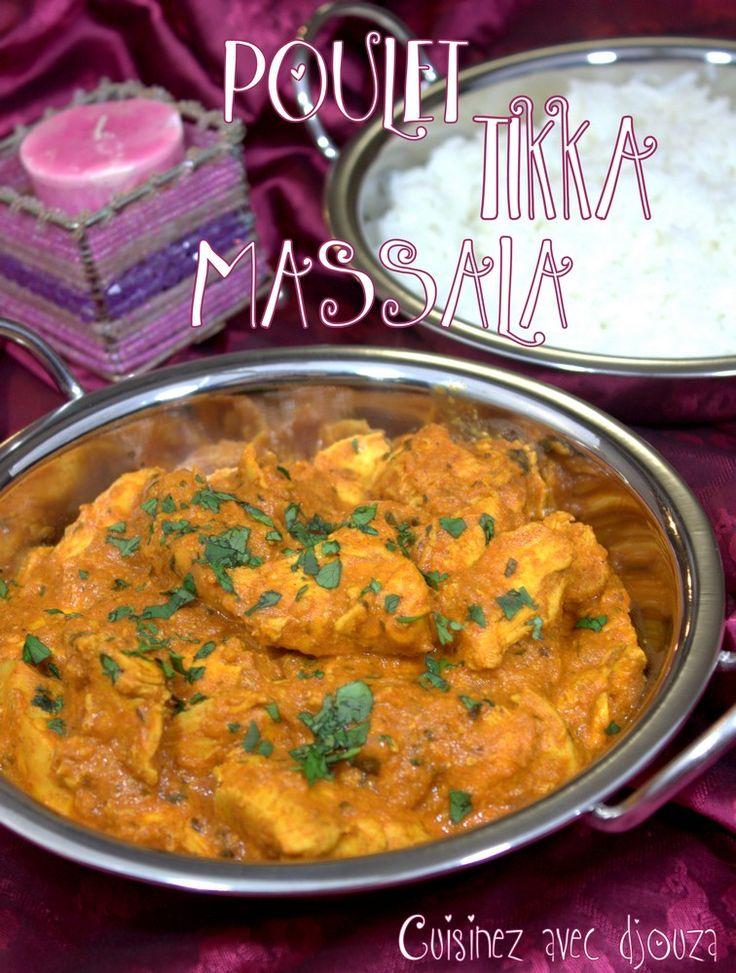 Poulet tikka massala en brochette avec du poulet en marinade dans une sauce  au yaourt, épices indiennes et cuit au four. Le poulet massala servis avec  un