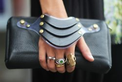 .: Arm Candy, Fashion, Handbags, Black Leather, Styles, Leather Cuffs, Clutches Bags, Accessories, Hands Bags