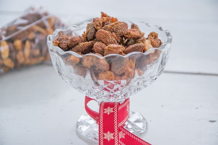 If you are in need of a great snack or a last minute home-made gift, I have the perfect thing for you. These Spicy Roasted Nuts are addictive and easy to make.