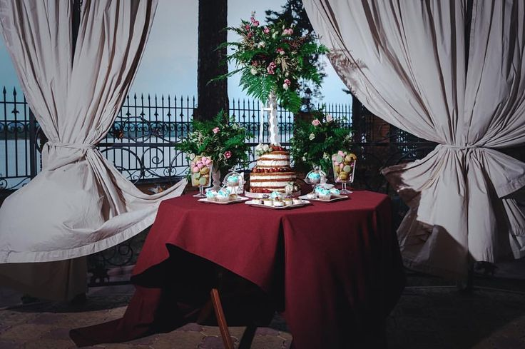 Фото ФОТОГРАФ☘️Пермь в Instagram • 2 октября 2016 г. в 20:25  Wedding decor, cake