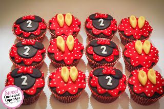 Sweet Cucas and Cupcakes by Rosângela Rolim: Cupcakes Minnie Mouse