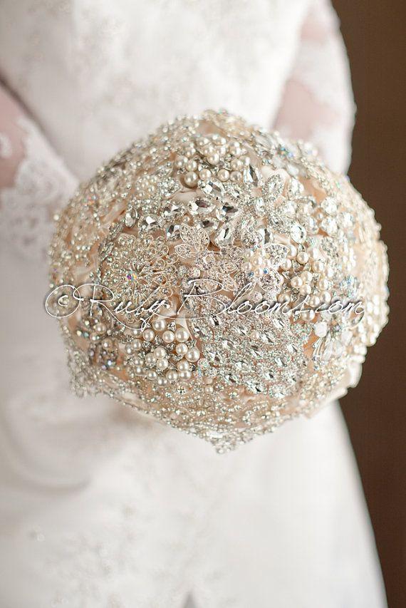Wedding broach bouquet Ivory Diamond, brooch bouquet, bride jewel flower arrangement Bridal heirloom hand tie and Free Groom's Boutonniere