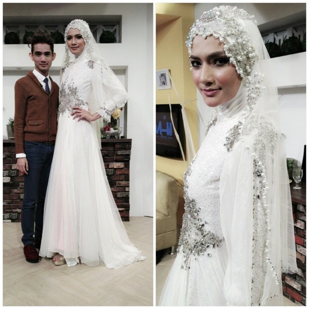 HATTA DOLMAT: JUBAH DRESS NIKAH BY HATTA DOLMAT (i prefer to combine that dress with long and simple khimar...:) )