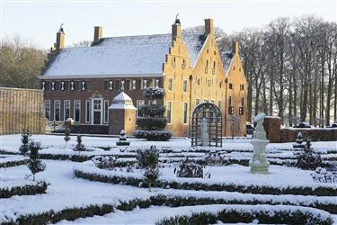 Menkemaborg in a winter wonderland. The place just looks magic!