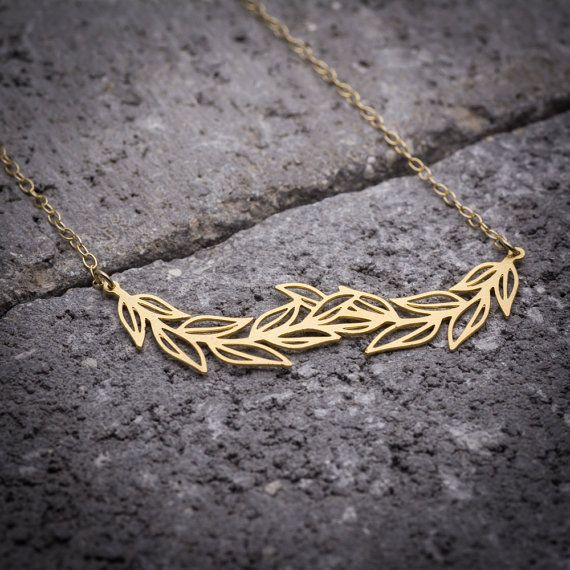 Gift for her, leaf necklace, leaves necklace, leaf branch necklace, leaf pendant, nature necklace, unique necklace, goldfilled necklace.