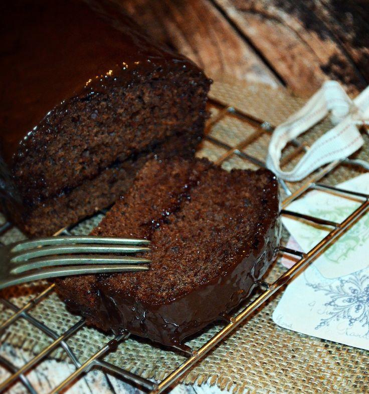 Mézeskalácsillat, pikáns szilvalekvár, roppanós csokoládéburok...