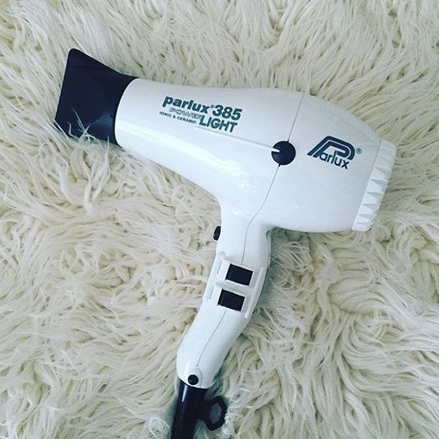 We may not have white Christmas's  in Australia, but you can certainly get a white #Parlux   via @caliandcohair #hair #hairdryer #blowdry #blowdryer #hairstyle #hairtools #instahair #musthave #whiteonwhite #awardwinning #hairstylist #hairdresser #xmasgifts #giftideas