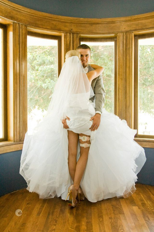 SUPER SEXY Bride/Groom photo. I'd like it better if the groom was facing into the brides neck. http://www.billwatts.com/