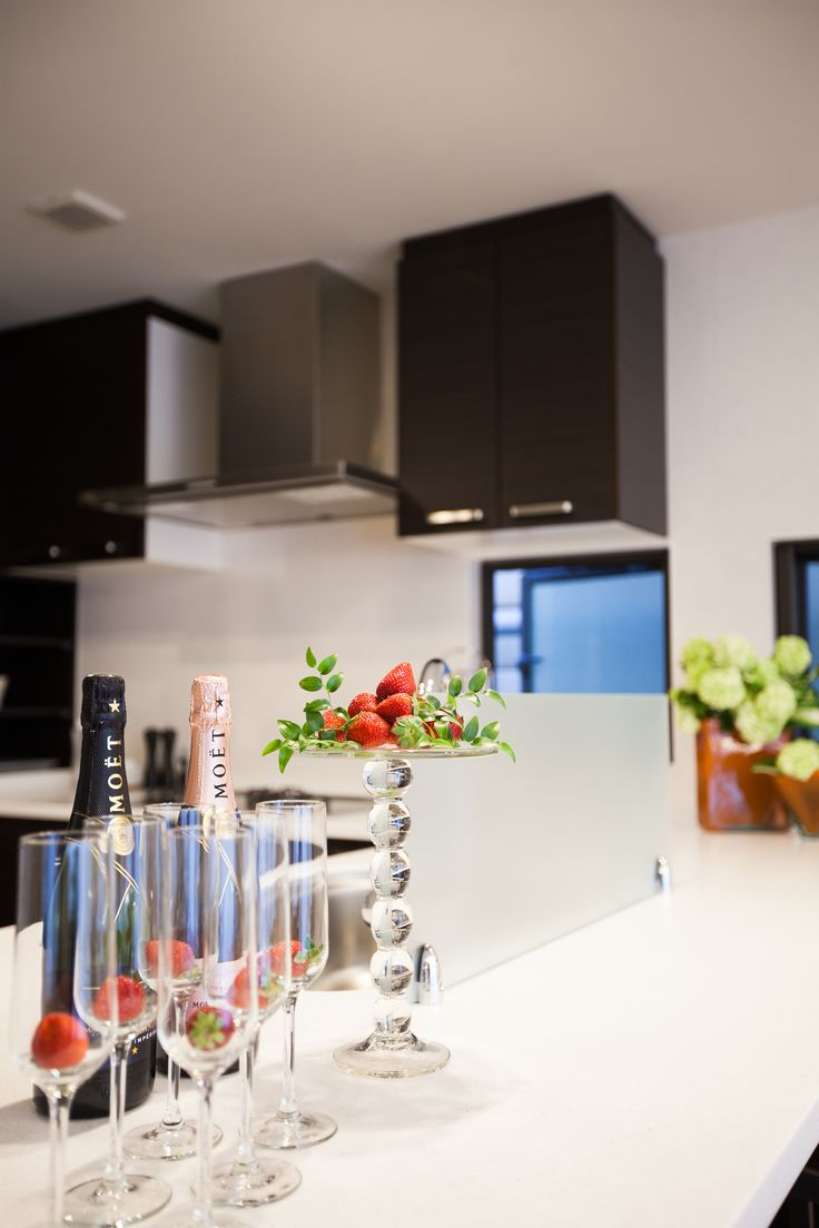 The kitchen is undoubtedly one of the most important spaces in the home and is the centre of activity in family life, a place to create, feel and live.