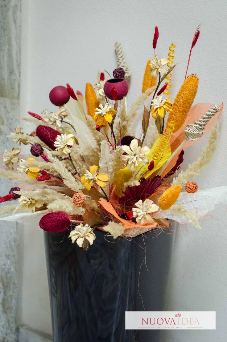 Decor conceptual cu flori uscate. | Nuova Idea