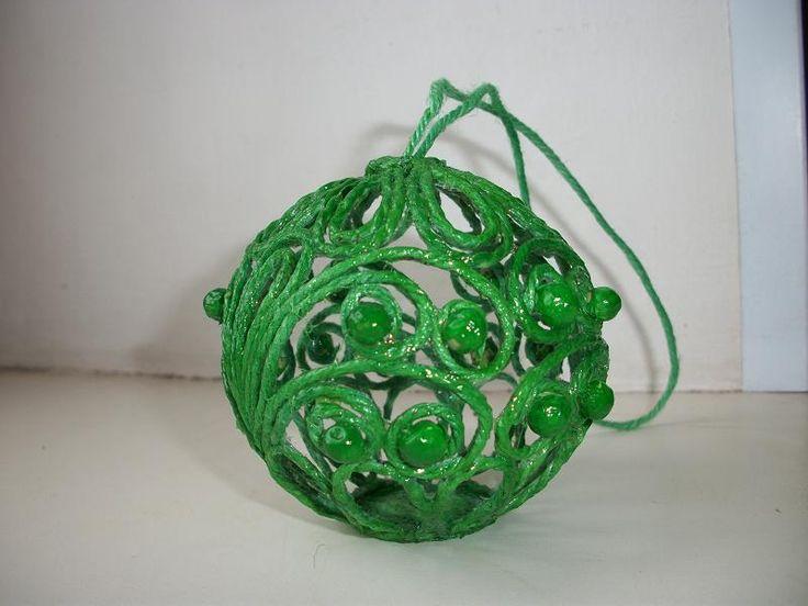 # Ёлочный шарик из джута