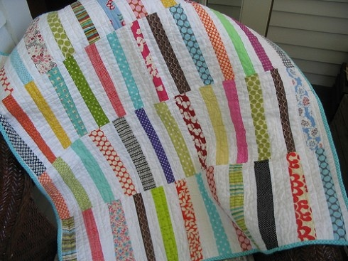 for the girlSimple Quilt, Quilt Ideas, Strollers Quilt, Scrappy Quilt, Strips Quilt, Cute Quilt, Stripes Quilt, Modern Quilt, Baby Quilt