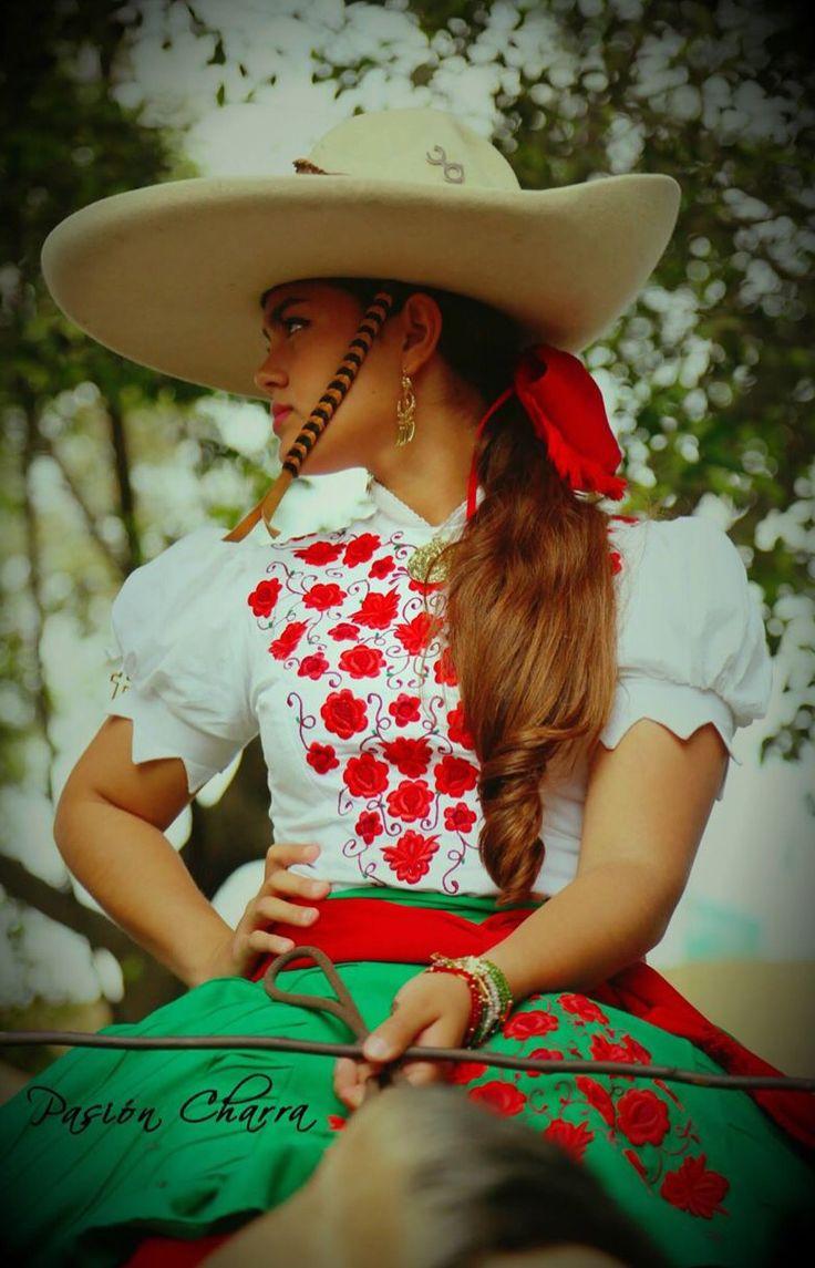 Mexico, Escaramuza Charra