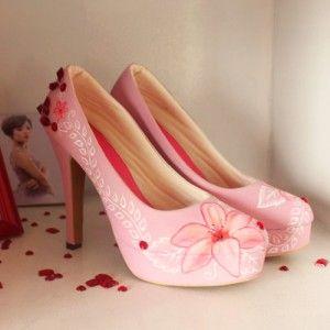 Sepatu lukis Lily Diamond Platform Peach IDR550.000 size 36-40 SKU SA39  Hubungi Customer Service kami untuk pemesanan : Phone / Whatsapp : 089624618831 Line: Slightshoes Email : order@slightshop.com