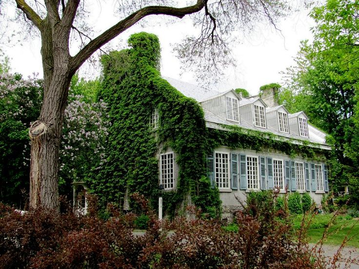 Maison Antoine-Brousseau (in summer) by Lapointe56 on DeviantArt