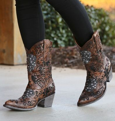 Shop the Old Gringo Calaca Swarovski Brass Skull Boot L2178-1 at Rivertrail Mercantile. Enjoy fast and free shipping on all Old Gringo Boots at Rivertrail.