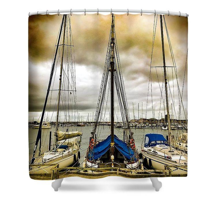 #malmö #sverige #scandinavia #boat #harbour  #sailingyacht #sailing