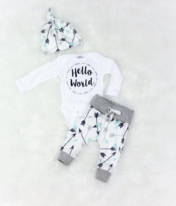 baby jongen komende thuis outfit/hello door bibitibobitiboutique