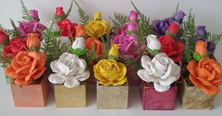 Mini Arranjo de Flores em Eva | Idéias e Cores Decor | Elo7