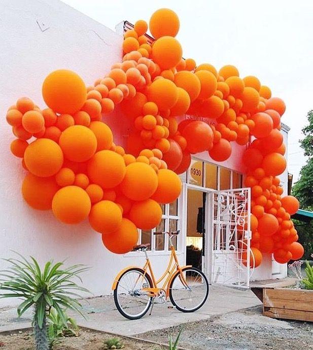 balloon installation by Jihan Zencirli in Los Angeles, CA, 2016 (LP)