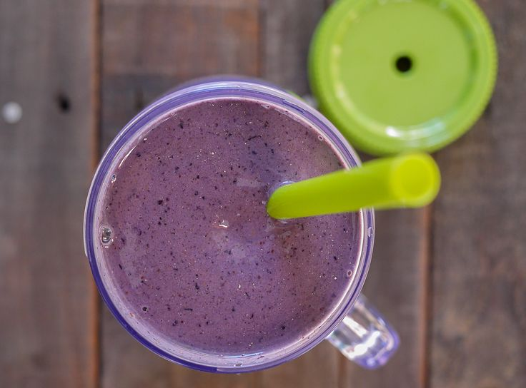 Blueberry Almond Power Smoothie