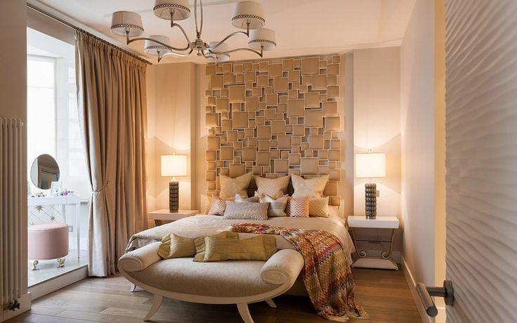 <p>Автор проекта: Елена Андреева</p> <p>Спальня со световым эркером оформлена в теплом бежевом монохроме и обставлена дорогим комплектом мебели в духе нео ар-деко. Очень стильно! </p>