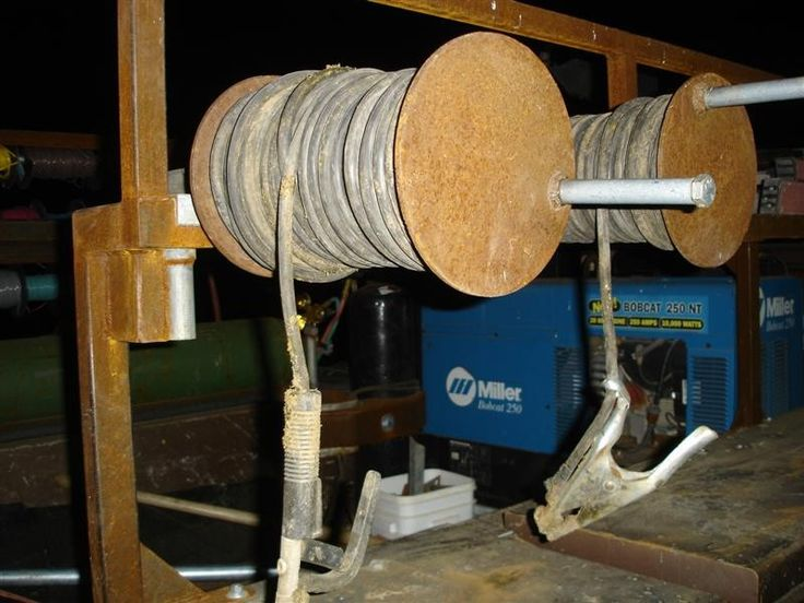 Welding Cable Reels by Bolt -- Homemade welding cable reels constructed from steel plate, tubing, and conduit. http://www.homemadetools.net/homemade-welding-cable-reels-2