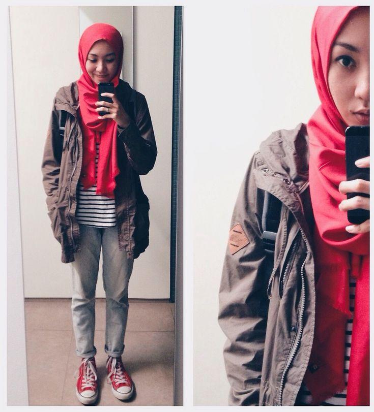 #hijab #pashmina #scarf #red #parka #stripes #boyfriendjeans #denim #casual #sneakers #converse #hijabindonesia