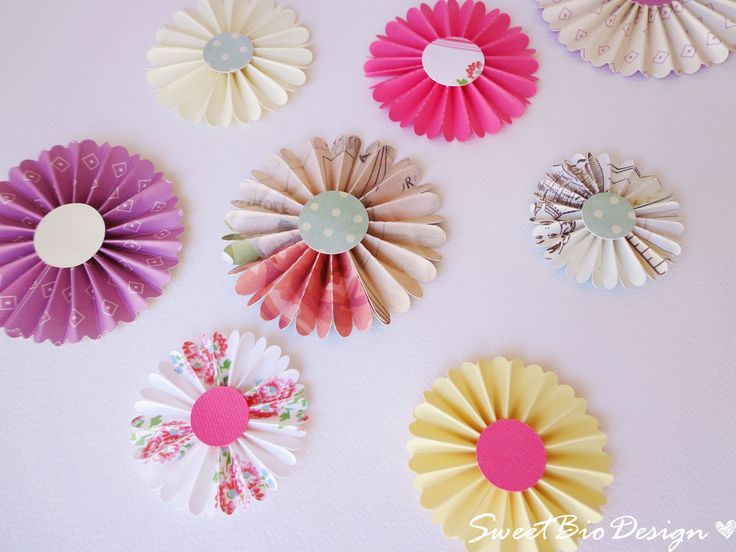 Tutorial Coccarde di Carta - DIY Paper Rosettes by sweetbiodesign.blogspot.it