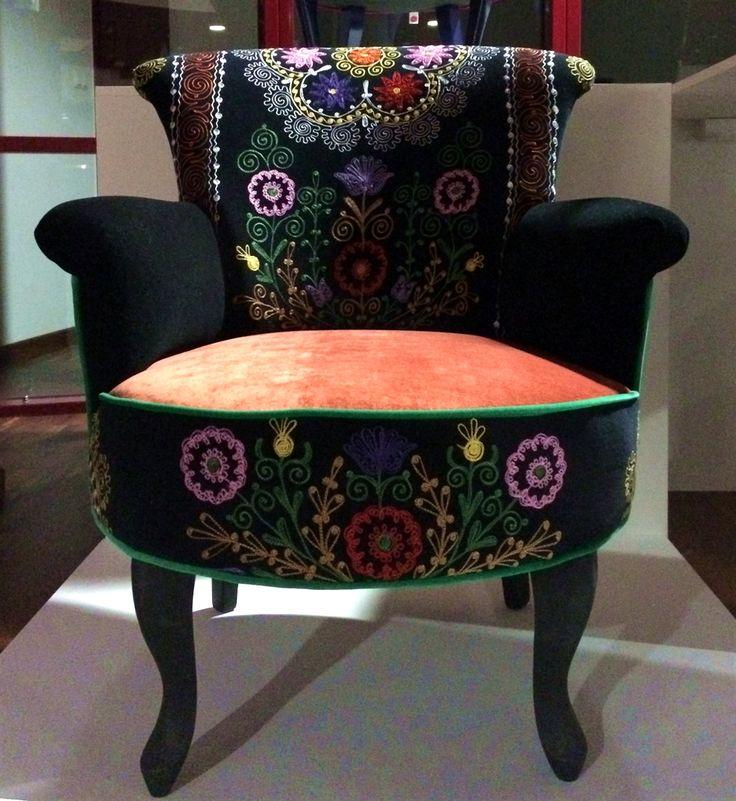 8 suzani_embroidered_textiles_ethnic_style_boho_gypsy_interior_design_home_decor_asia_inspirations_styl_etniczny_kolorowe_wnetrze_forelements_blog