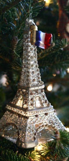 Prayers for Paris. Via @jena1125. #Paris #Christmas