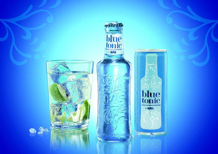 Blue Tonic by Kas, en botella y lata. Lanzada en 2011 y especial para mezclar con ginebra por su bajo contenido en azucar.