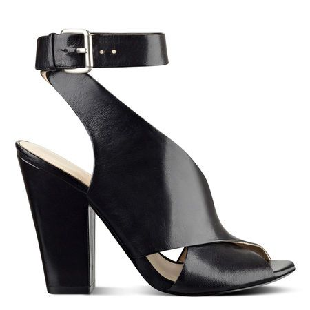Ombray Open Toe Sandals | Nine West