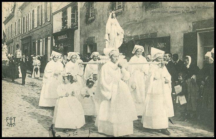CPA France Bretagne Le Conquet Procession de la Fete Dieu used c 1910