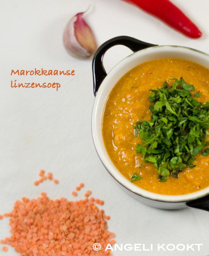 Heerlijke voedzame en magere Marokkaanse linzensoep. Lekker door de specerijen en weer eens wat anders dan erwtensoep of bruinebonensoep.