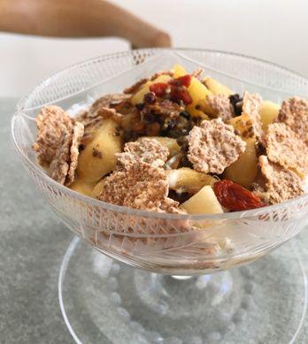 ビーガン料理はアイデアと工夫が命。より美味しく簡単に作れるレシピ ... ベジタリアンは肉や魚を口にしませんが、ビーガンはそれ以上に卵やチーズ、バターやヨーグルトなどの乳製品も口にしません。また、はちみつや調味料に含まれる動物性 ...