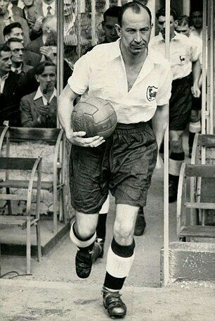 Ron Burgess.  Captain of 1951 league champions