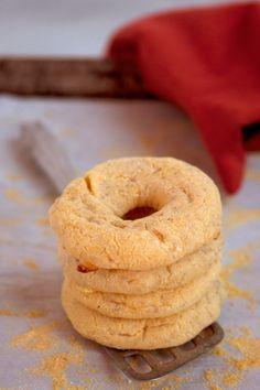 PARAGUAY: Es el comida de Paraguay. Es pan pequeno con queso. Yo piensa estaria muy delicioso!