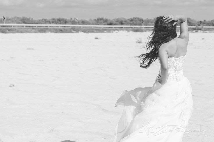 Zeiba Photography – Destination Weddings in the Yucatan Peninsula. This photo of the bride was in Chelem, Yuc.