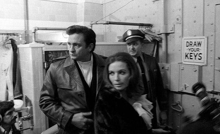 Never Seen Before Photos of Johnny Cash at San Quentin Prison | Cool Material
