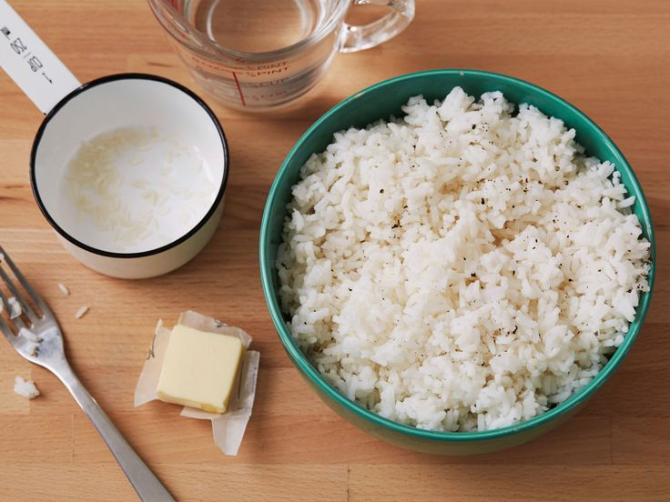 Perfect Microwave Rice recipe from Cooking Thin via Food Network add 1 tablespoon tomato bouillon
