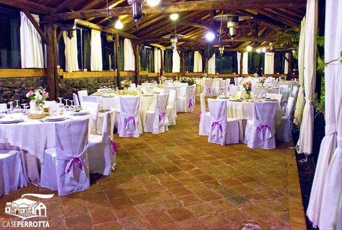 Allestimento gazebo in rosa per ricevimento nozze