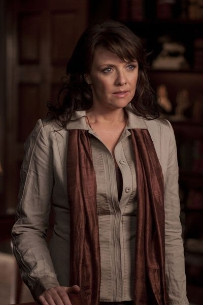"""Love the style of Dr. Helen Magnus from TV show """"Sanctuary"""""""