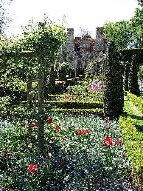 Garsington, Oxfordshire, England- I want a garden like this someday.