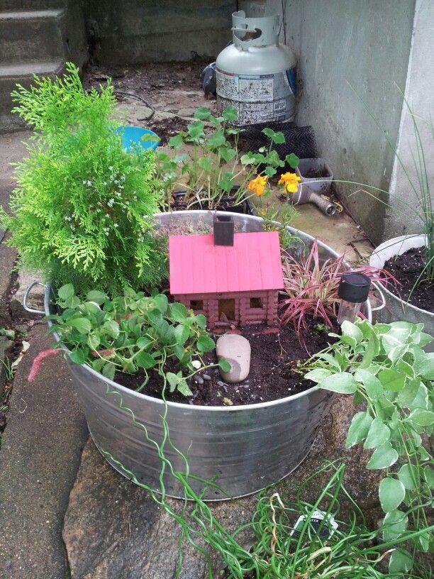 Fairy garden in a wash tub | Fairy garden | Pinterest | Wash Tubs ...