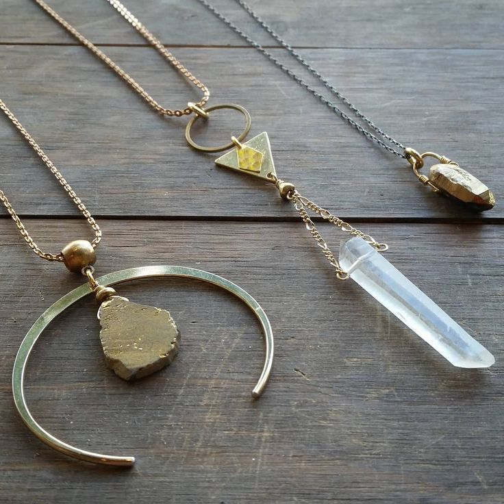 MOON CHILD🌙 Our Luna  Crescent necklace with a free form golden agate druzy has just arrived at #shopcoon along with these other magical pretties. . . . . #moonchild #lunarphase #druzy #crystalquartz #geometricjewelry #rawstones #bohostyle #bohojewelry #style #festivalstyle #gypsysoul #gypyset #gypsystyle #toodlebunny #cambievillage #vancitybuzz #vancouver #yvr #shoplocal