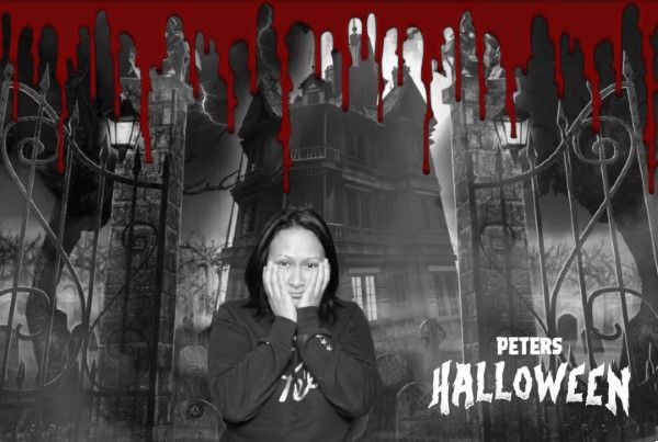 Halloween themed photobooth animated GIF with Greenscreen.  Download the templates to create your own spooky photobooth theme!