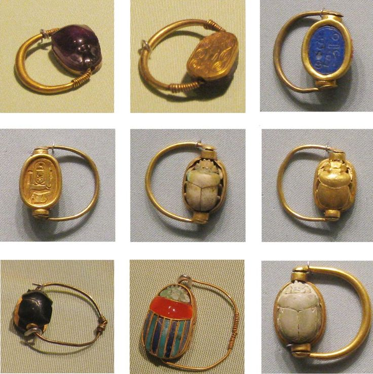 Engraved signet Scarab rings Very popular throughout the ancient world and originated in Egypt. As apart of an ancient Egyptian exhibit, I knew these really well. The scarab is on a swivel so it can be turned around and the used as a stamp of the person's name or rank. Beautifully crafted of gold with the stone either lapis lazuli, carnelian, or gold. The Etruscans borrowed heavily from the Greeks and Egyptians.